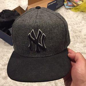 Yankees adjustable hat.